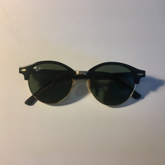 8fac8d6d00 Ray-Ban RB4246 901 19 51MM CLUBROUND Black Frame. M 5b590f1eaaa5b8910e948372